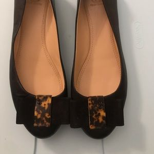 Tory Burch Chase black and tortoise bow